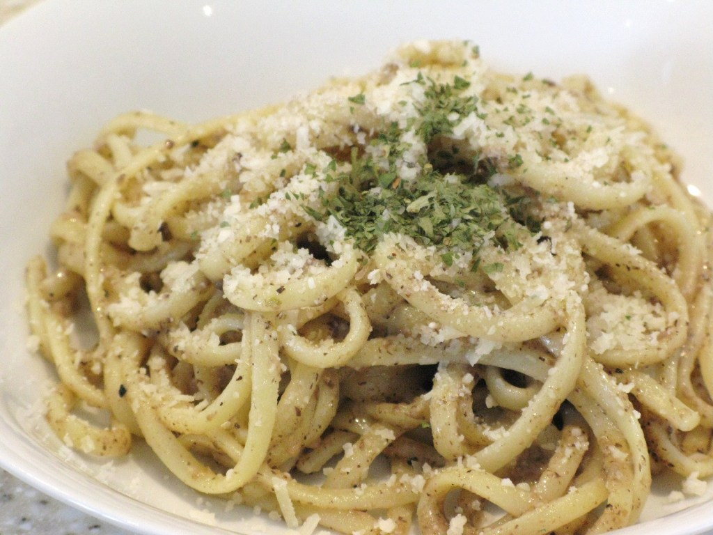 linguine with tartufata (truffle sauce)